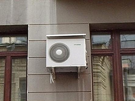 Кондиционеры на московских фасадах находятся в опасности