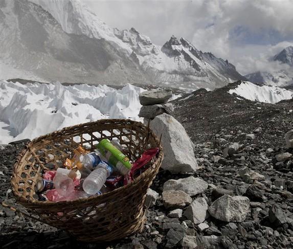 Биореактор избавит Эверест от мусорного коллапса
