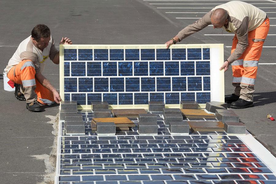 Во Франции открыта первая в мире автодорога с покрытием из солнечных батарей