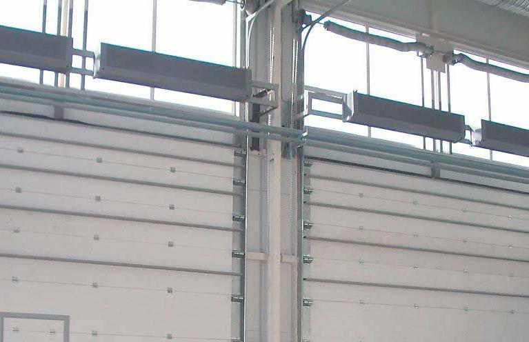 Для эффективной работы воздушной завесы, поток воздуха должен перекрывать всю длину ворот.