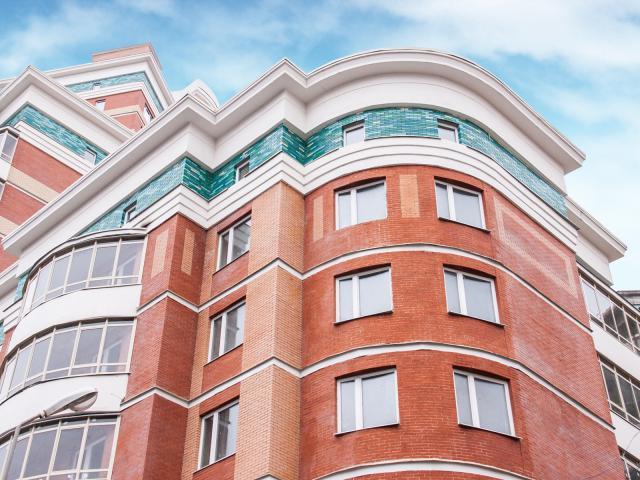Новый кондиционер-невидимка Haier в московской квартире