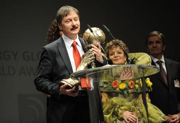 Павел Казанцев с наградой energy globe
