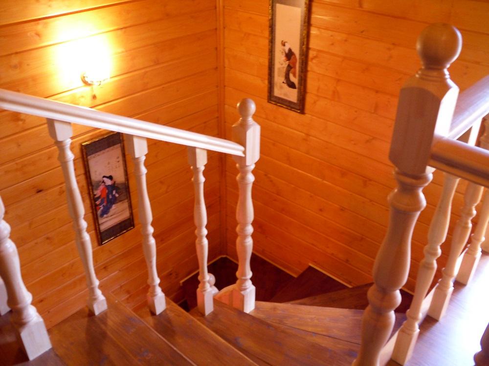 Лестница, прежде всего, должна быть удобной, надежной и безопасной для всех