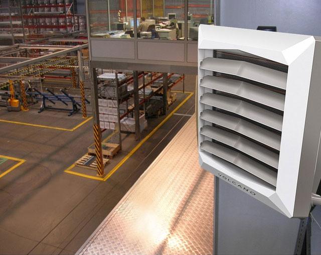 Водяные тепловентиляторы и тепловые пушки устанавливают там, где требуется обеспечить на постоянной основе заданный температурный режим